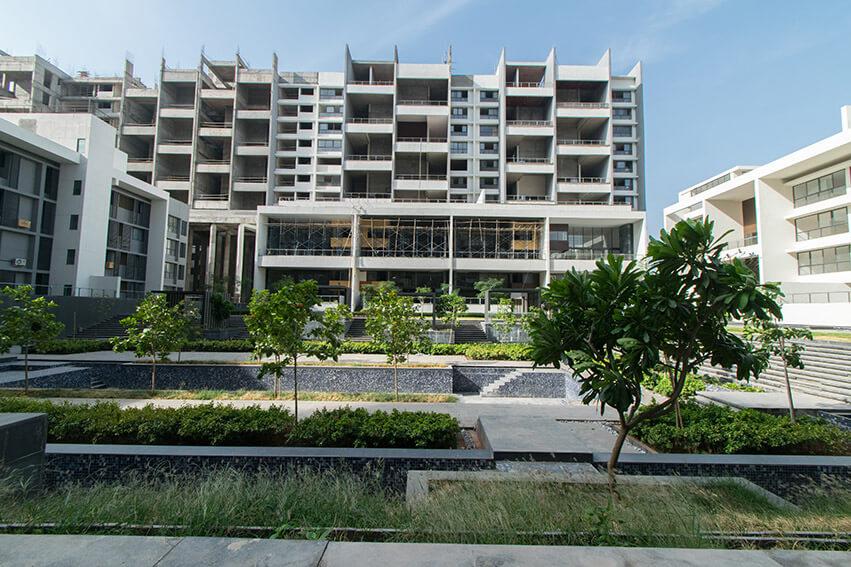 Building C,D,E west court