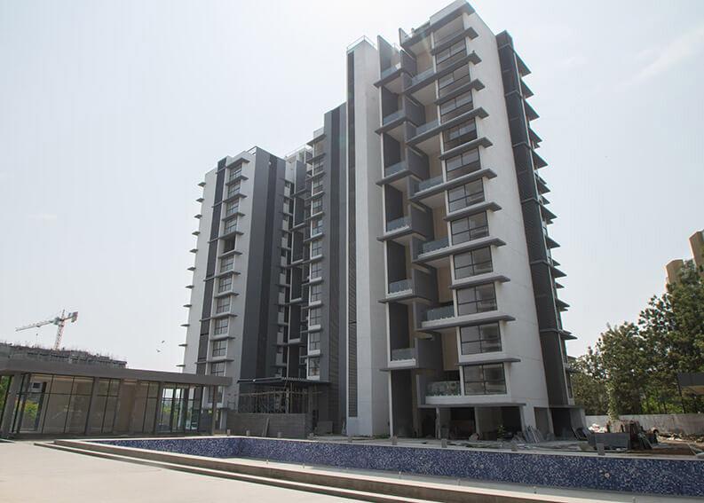 C & D Building