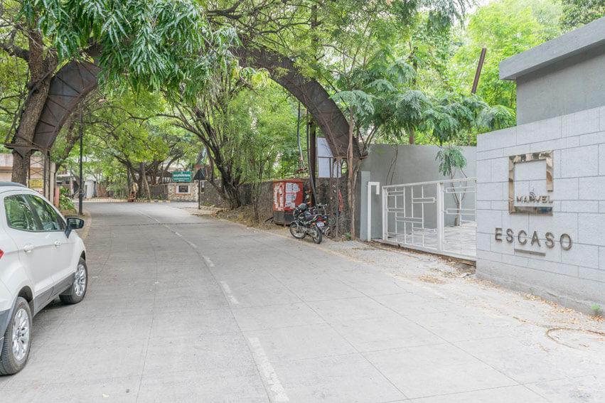 Access Road Going Towards Cosmos Bank